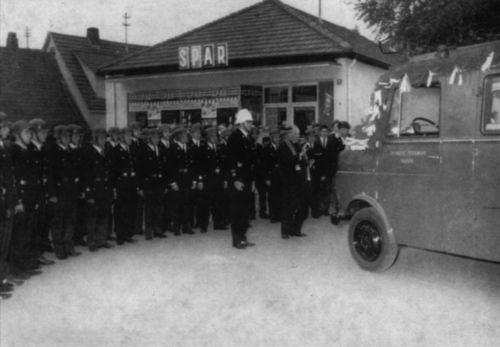 Freiwillige Feuerwehr Hausen bei der Fahrzeugweihe 1968